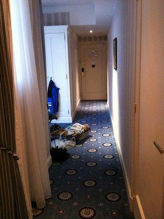 Hotel Astor Saint-Honore: Internal corridor