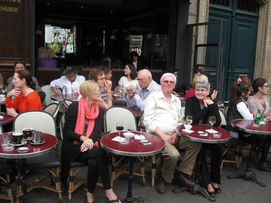 Relais Odéon : Sidewalk Table at Relais Odeon