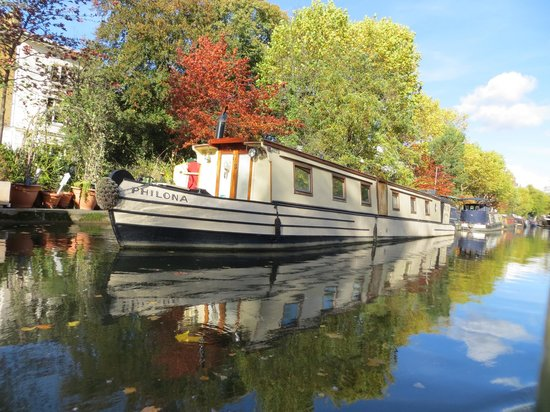 Jason's Trip: A few of the hundreds of residential narrowboats along the canal