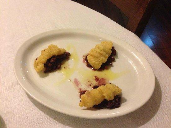 Osteria del Pescatore: Filetto di merluzzo su letto di cipolle di trope e uvetta