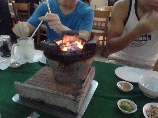 Luong Son (Bo Tung Xeo): charcoal grill