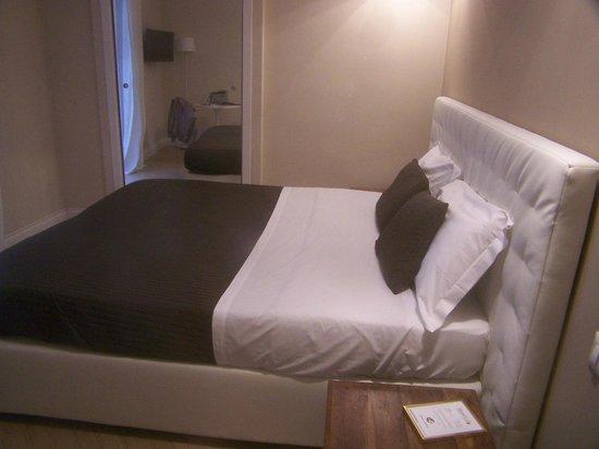Morelli 49 B&B : comfortable bed