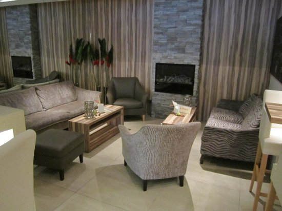 Parkhotel Oberhausen : Lounge-Ecke in der Lobby