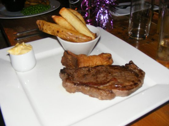 The Harrow Inn Restaurant: It may look nice but probably the worst steak my partner has ever been served in a restaurant