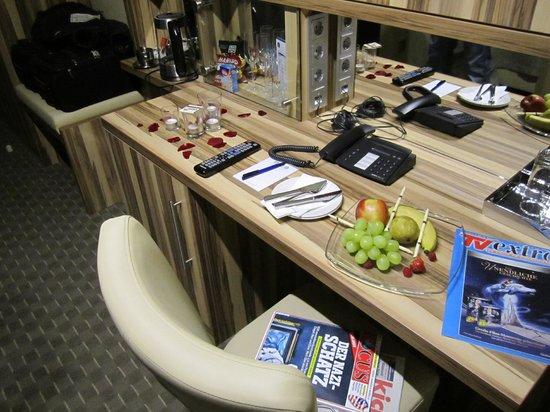 Parkhotel Oberhausen : Obstdeko im Deluxe-Zimmer