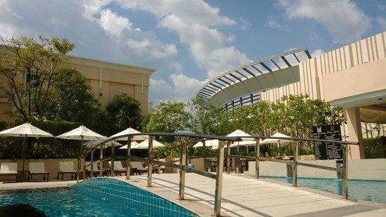 Millennium Resort Patong Et La Piscine