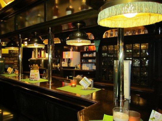Parkhotel Oberhausen : Theke in Schotte's Bar