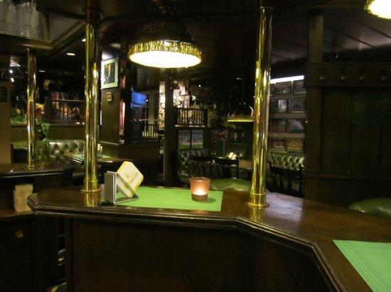 Parkhotel Oberhausen: Theke in Schotte's Bar