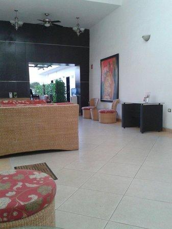 Hotel Real San Juan: El lobby muy comodo.