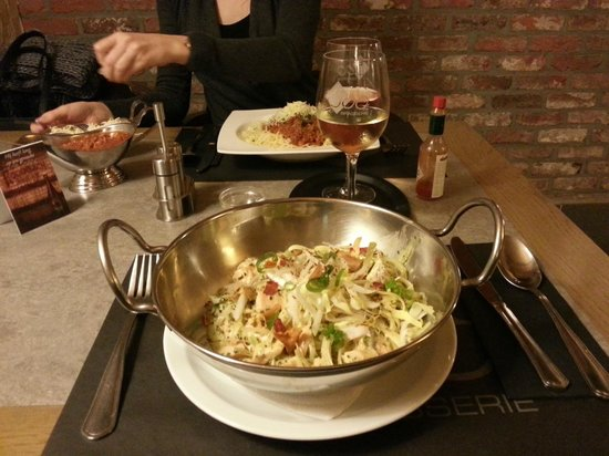 Brasserie 500: linguini pasta with chicory and salmon (15 euros)