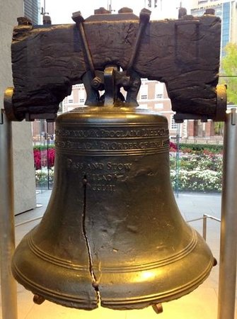 Penn's View Hotel: visit the Liberty Bell