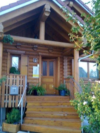 Fam. Bechtold Privatzimmer im Holzhaus : Esterno