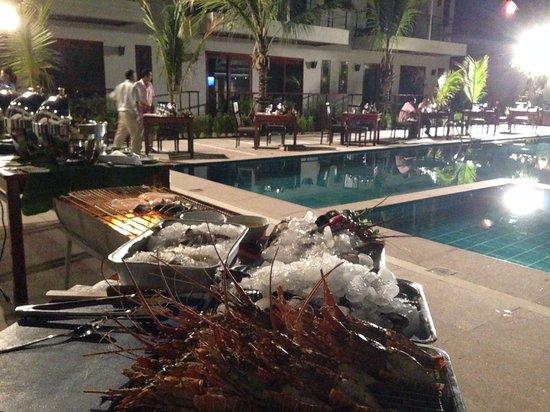 T-Villa Resort: Party Loy Khatong day