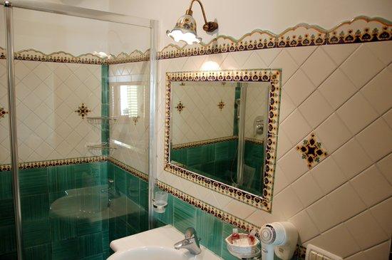 Monte Solaro: ванная комната