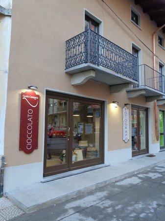 Giaveno, Italy: il nuovo negozio in viale regina elena