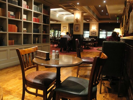 Chamberlain Hotel : Pub