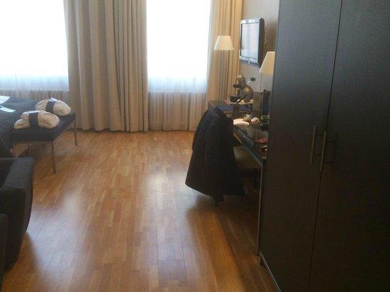 Radisson Blu 1919 Hotel, Reykjavik: Junior suite work desk