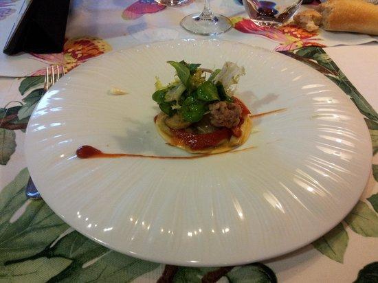 EL CINGLE DE VACARISSES: Tartar con ketchup y Maionesa en menu degustacion? Penoso.