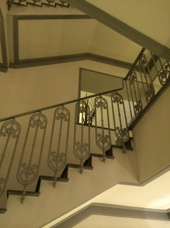 Hotel Brunelleschi: Ornate Staircase Within The Hotel