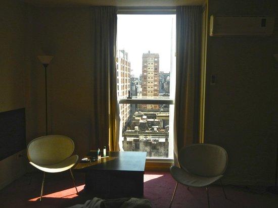 Uno Buenos Aires Suites: Ventana que se abre