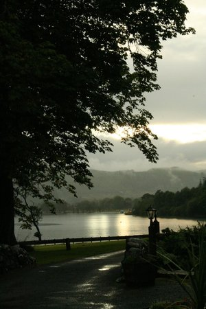 Altskeith Country House: Misty evening at Loch Ard