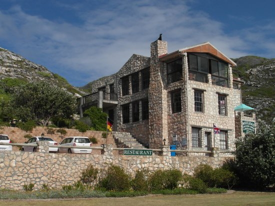 Agulhas Country Lodge: Ovearll view from the road