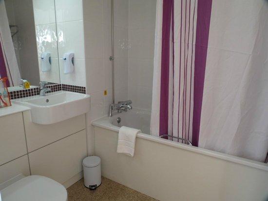 Premier Inn Manchester City Centre (Piccadilly) Hotel: Ванная комната