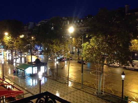 Hôtel Barrière Le Fouquet's Paris : night view