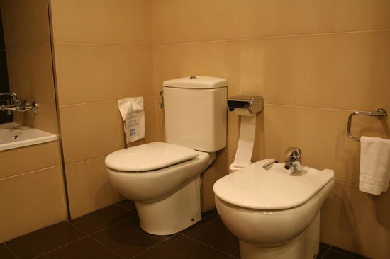 Centric Atiram Hotel: Baño