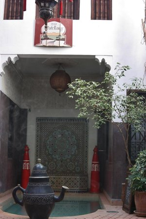 Riad La Porte Rouge: inside the courtyard of the Riead
