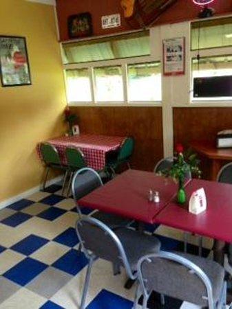 Country Corner Kitchen: Unpretentious interior.