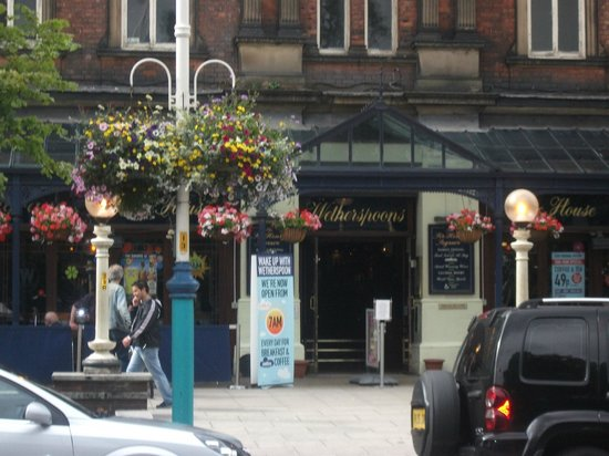Sir Henry Segrave: great wetherspoons