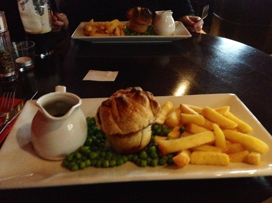 The Carnock Inn: Steak and ale pie with peas and gravy (we opted for chips rather than mash)