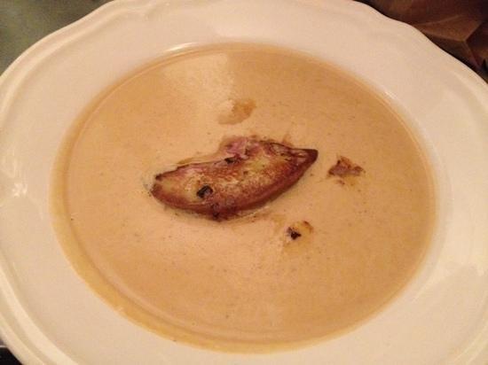 Vin 7: velouté courge châtaigne et foie gras poellé