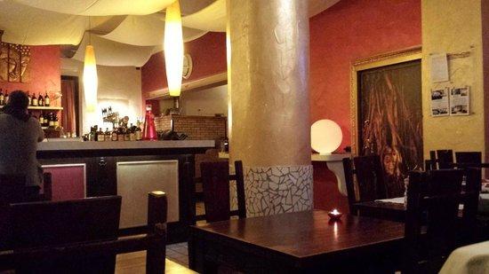Samarcanda Ristorante Pizzeria: una sala del ristorante