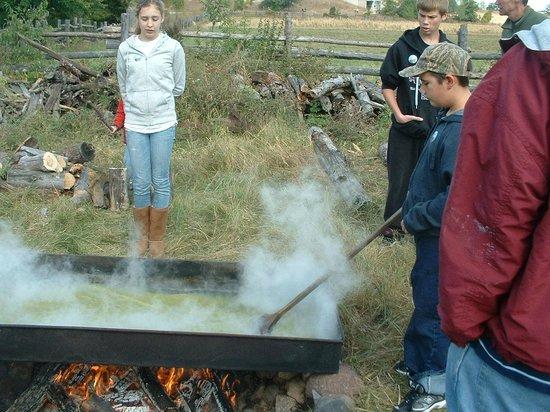 Oliver Kelley Farm: prairie sugar weekend
