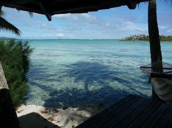 Vahine Private Island Resort: stunning views back deck