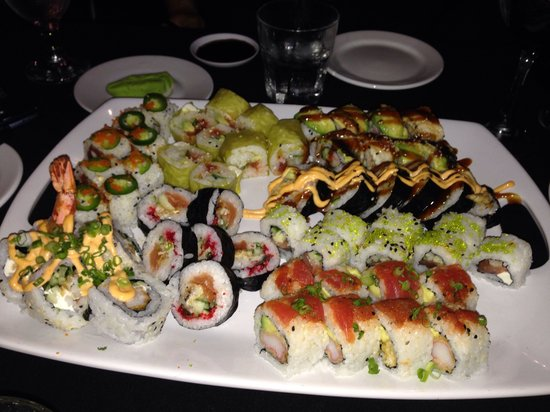 Funky Monkey Wine Company: Couldn't have had a better mix of sushi!