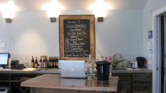 The tasting bar at Stinson Vineyards
