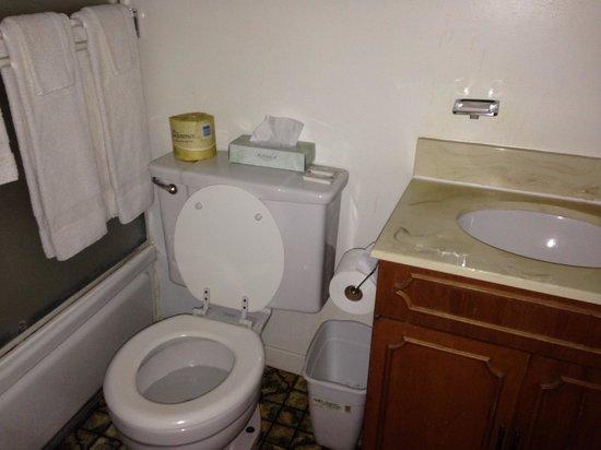 National Hotel: Barhroom