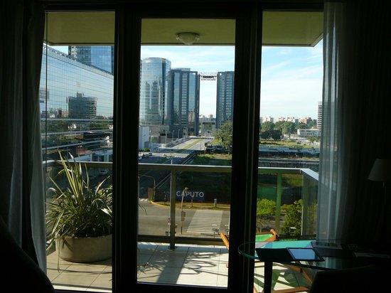 Hotel Madero: Vue sur le canal et la ville moderne