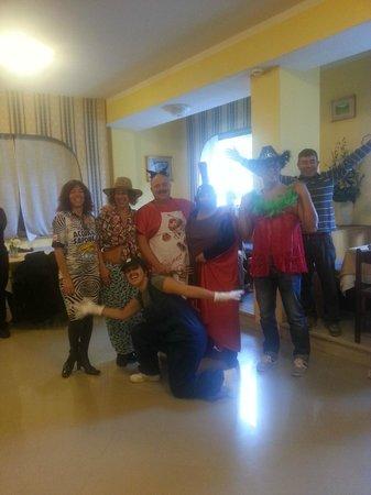 Hotel Tirrenia : festa fra clienti