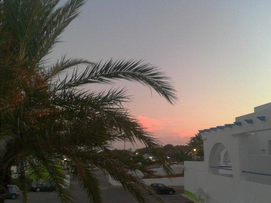 Mojacar Playa Hotel: vista hacia la derecha