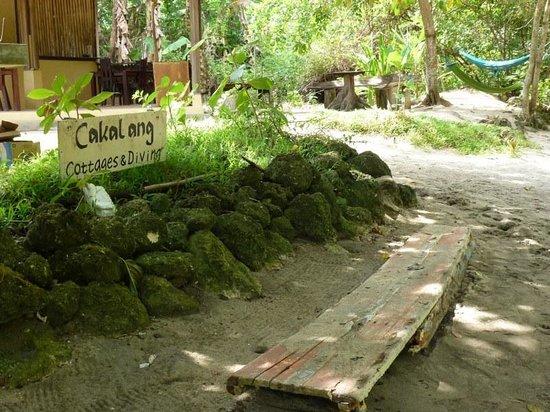 Cakalang Bunaken: Das Schild am Strand