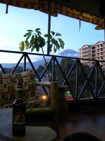 Arusha Backpackers Hotel: View from the balcony