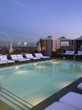 SIXTY Beverly Hills: Hotel pool