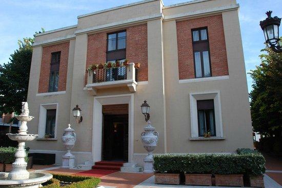 Hotel Residence San Gregorio: Hotel