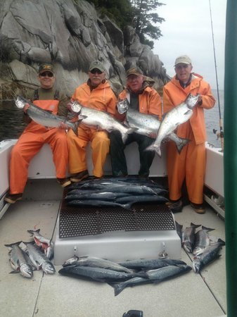 L & M Charters & Lodge: King Salmon
