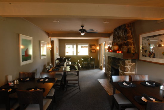 Parkside Tavern: Fire Place Dining