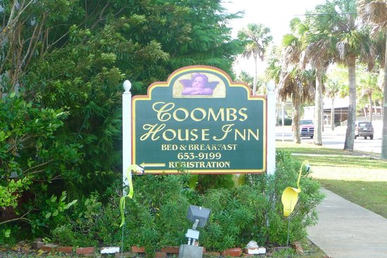 Coombs House Inn: Welcome to the Inn